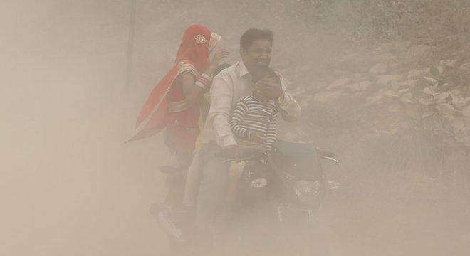 Quatorze cidades da Índia estão entre as 20 mais poluídas do mundo, segundo a OMS (Organização Mundial da Saúde)