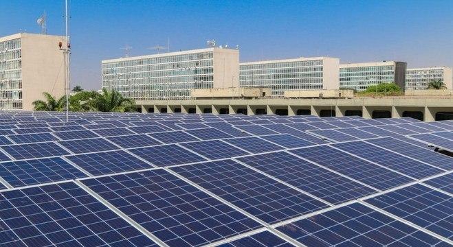 Painéis de energia solar na Esplanada dos Ministérios