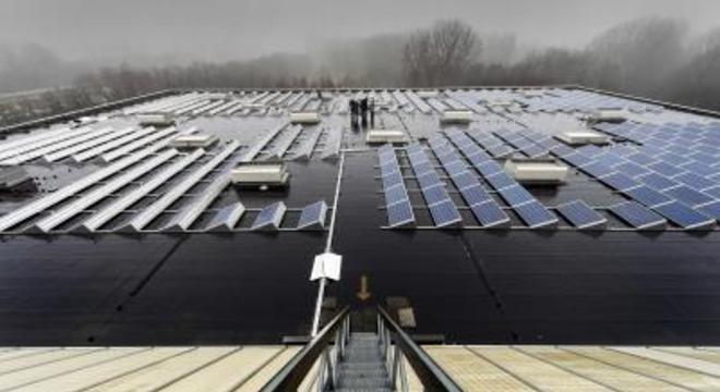 Holanda inaugurou 2 primeiros trechos de estrada com painéis solares