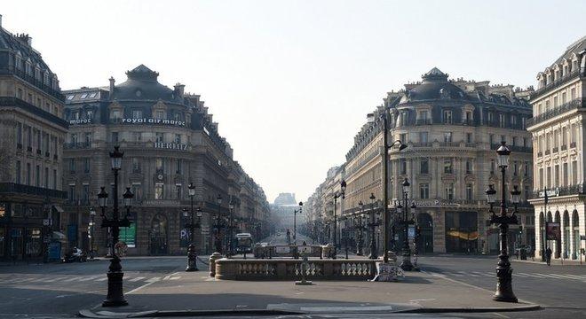 Medidas de isolamento têm deixado cidades vazias no mundo todo