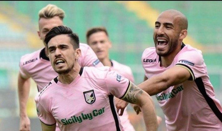 Palermo - Clube tradicional da Itália, o Palermo sempre figurou na primeira divisão italiana. Porém, por questões de irregularidades financeiras, o clube foi rebaixado à Série D da competição nacional.