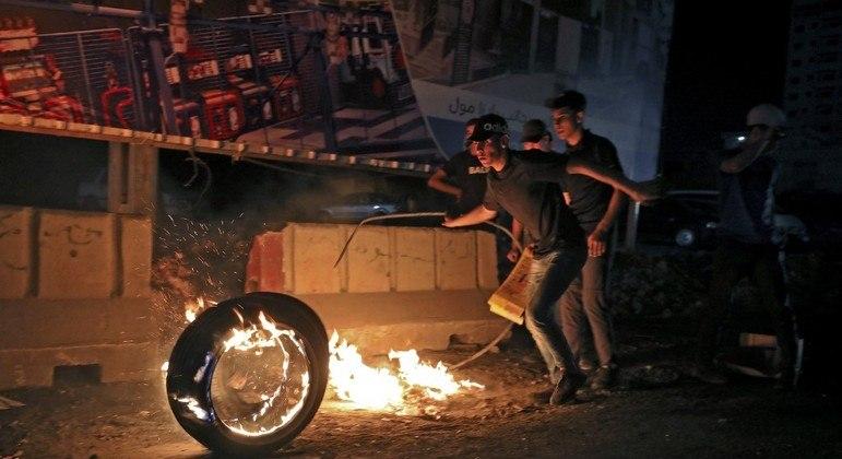 Palestinos protestaram contra Israel em diversos pontos da Faixa de Gaza e Cisjordânia