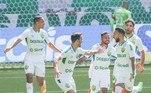 Neste final de semana, o mundo prestigiou o brilho verde e amarelo... Teve título mundial nos eSports, brasileiro marcando golaço no campeonato francês, gol de bicicleta anulado pelo VAR e muito mais! O R7 apanhou 7 destaques e trouxe para você!Para começar, o Cuiabá, que estava na zona de rebaixamento, foi ao Allianz Parque no último domingo (22) e venceu o Palmeiras, atual campeão da Libertadores, por 2 a 0, fazendo um gol no início da partida (no primeiro minuto de jogo) e outro no final, que decretou a vitória do time cuiabano