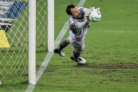 Diego Cavalieri defendeu pênalti. E garantiu a justa vitória do Botafogo