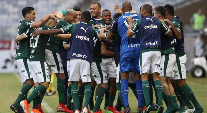 Palmeiras, líder do Brasileiro. E a Globo não consegue mostrar seus jogos