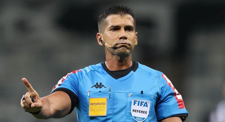Bruno Arleu de Araújo cometeu um erro inacreditável. O Palmeiras foi muito prejudicado