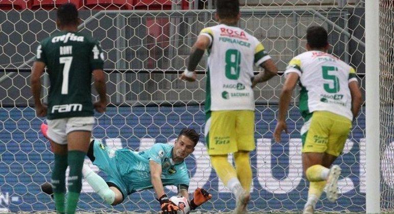 Unsain defendeu pênalti de Gustavo Gómez na prorrogação