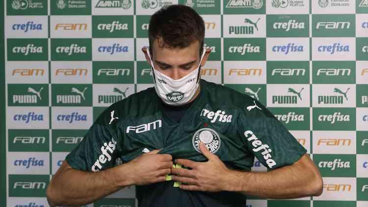 Palmeiras tenta localizar o foco da covid. 15 jogadores infectados