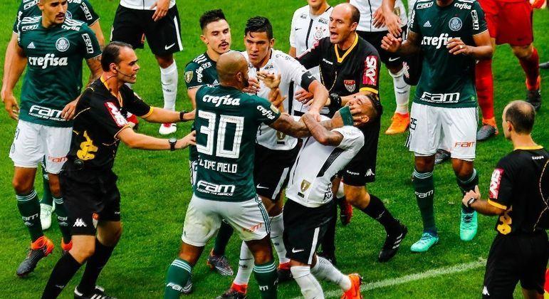 Palmeiras e Corinthians. Não há partida tranquila. Dois maiores rivais de São Paulo se odeiam