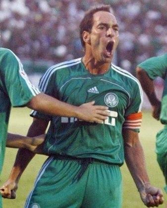 Palmeiras: 19º colocado na 6ª rodada do Brasileirão de 2006 com 4 pontos. Terminou o campeonato em 16º lugar