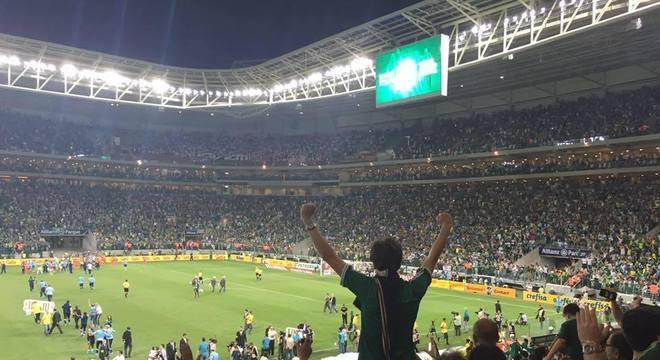 Arrecadação dos jogos na arena é do Palmeiras. No Itaquerão, não é do Corinthians