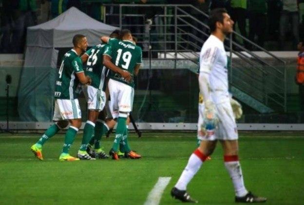 Palmeiras 2 x 1 São Paulo (Campeonato Brasileiro) - 7/9/2016 - Gols: Andrés Chávez 2' 2ºT (0-1); Yerri Mina 10' 2ºT (1-1) e Vitor Hugo 25' 2ºT (2-1).