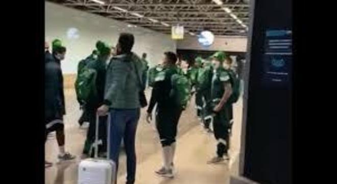 A polícia do aeroporto em Curitiba foi acionada para proteger o Palmeiras