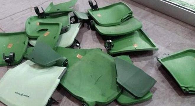 Em 2015, torcedores do Corinthians arrebentaram cadeiras na arena palmeirense