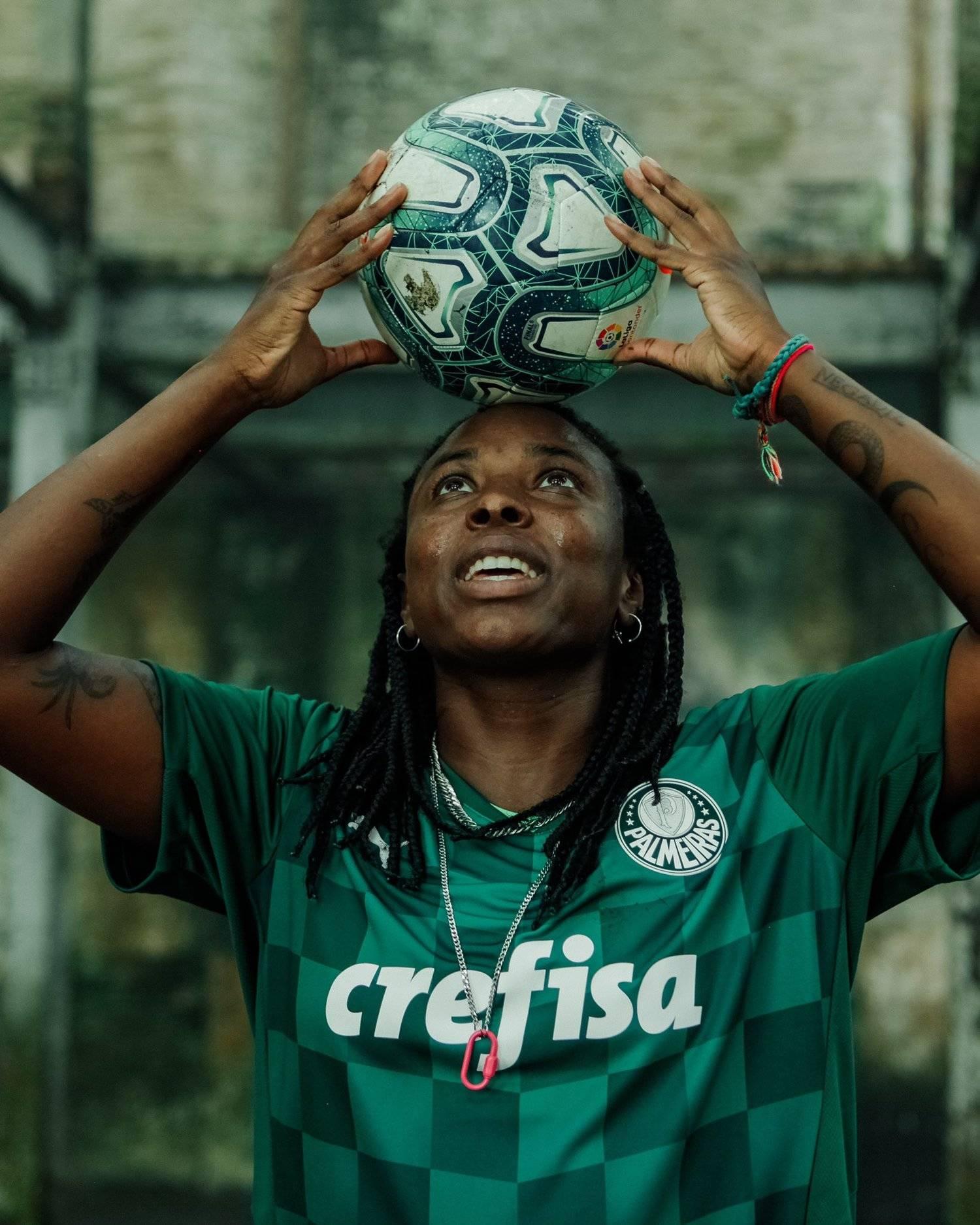 Delegados ligados a conselheiros do Palmeiras analisam as mensagens racistas. São criminosas