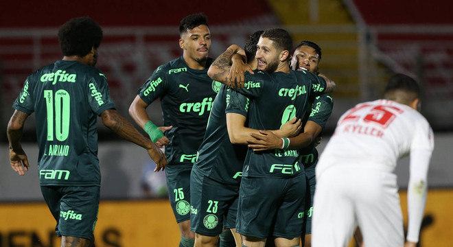 Palmeiras mostra, além do futebol, muita união. Andrey tem importante participação