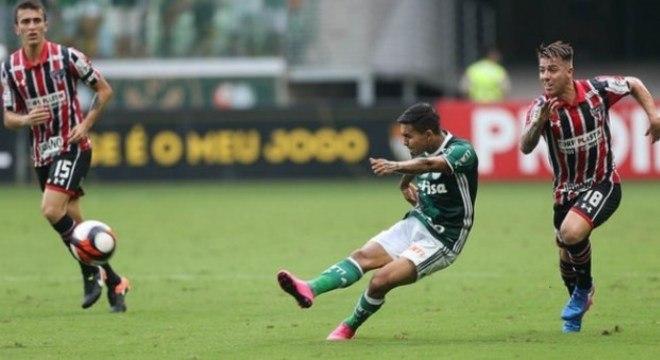 Palmeiras 3 x 0 São Paulo (Campeonato Paulista) - 11/3/2017 - Gols: Dudu, 45'/1ºT (1-0), Tchê Tchê, 10'/2ºT (2-0), Guerra, 25'/2ºT (3-0).