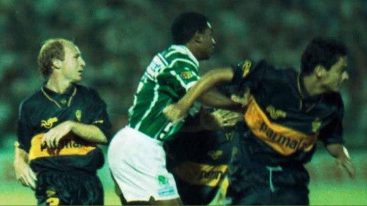 Palmeiras 6 X 1 Boca Juniors - Fase de Grupos Copa Libertadores 1994 - No antigo Palestra Itália, o Verdão contou com atuação inspirada de Mazinho para impor ao Boca sua maior derrota fora da Argentina na Libertadores: 6 a 1.