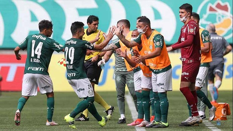 Palmeiras: cenário 2 (com transferências de atletas) - Receitas: R$ 482 milhões - Folha salarial: R$ 229 milhões - Receitas x Folha (em %): 48% - Conclusão: abaixo do fair play financeiro.