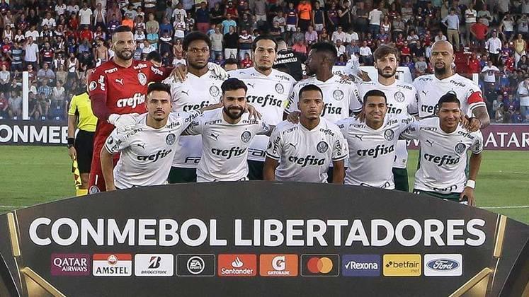 Palmeiras estreou seu novo uniforme em grande estilo. Mesmo sem usar o tradicional verde, vitória sobre o Tigre por 2 a 0 na Argentina