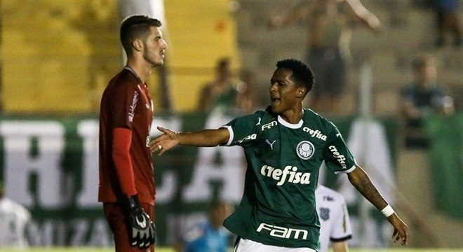 Palmeiras foi eliminado pelo Figueirense na última terça-feira (15)