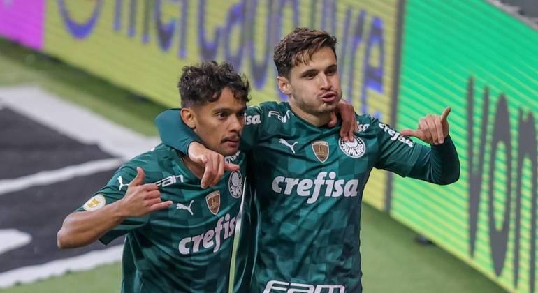 Em jogada de Raphael Veiga, que acabou com gol contra de Manoel, Palmeiras chegou a vitória