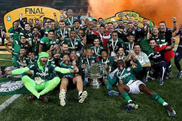 Palmeiras - Não informa o número de sócios torcedores por política interna do clube.