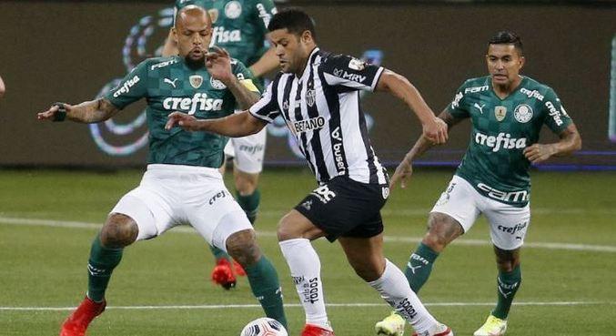 Palmeiras e Atlético-MG jogaram na noite desta terça-feira (21)