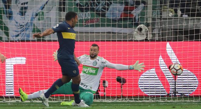 Abila abriu placar para Boca Juniors contra Palmeiras ainda no primeiro tempo