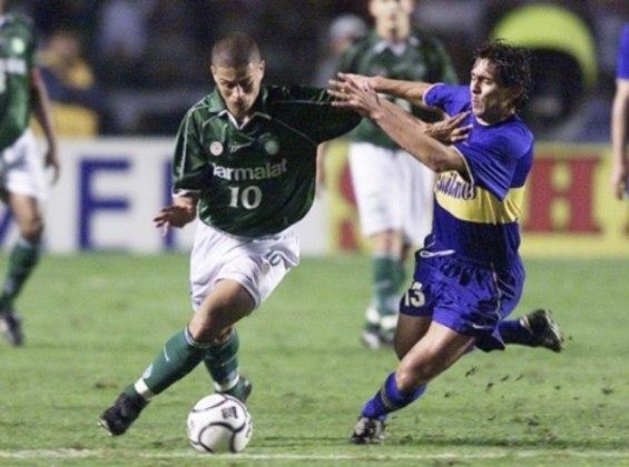 Palmeiras X Boca Juniors - Final Copa Libertadores 2000 - Em 2000, o Palmeiras enfrentou o Boca Juniors e empatou duas vezes. Nos pênaltis, a equipe brasileira perdeu por 4 a 2 e o Boca foi campeão em pleno Morumbi.