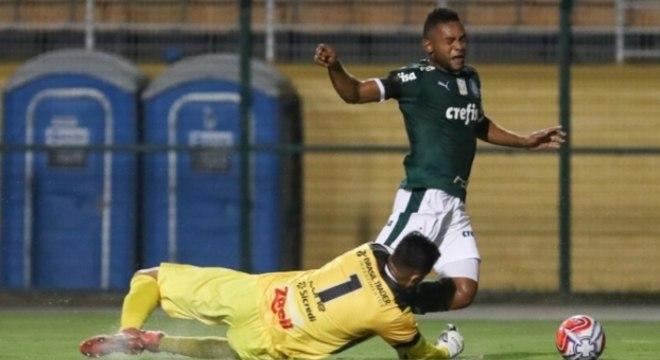 Palmeiras x Bragantino Borja sofre pênalti
