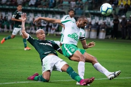 Palmeiras perdeu inúmeras chances de gol