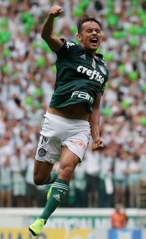 Scarpa comemora segundo gol do Palmeiras