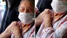 Palmirinha Onofre recebe segunda dose da vacina contra covid-19