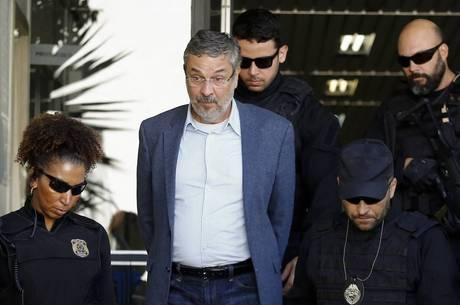 Juiz quer mais detalhes de Palocci sobre a compra dos caças