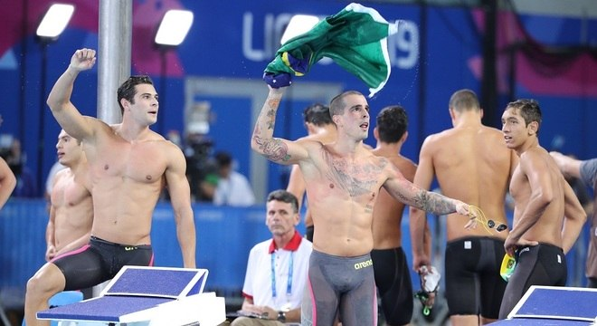 Nadadores brasileiros ganharam ouro e quebraram recorde pan-americano