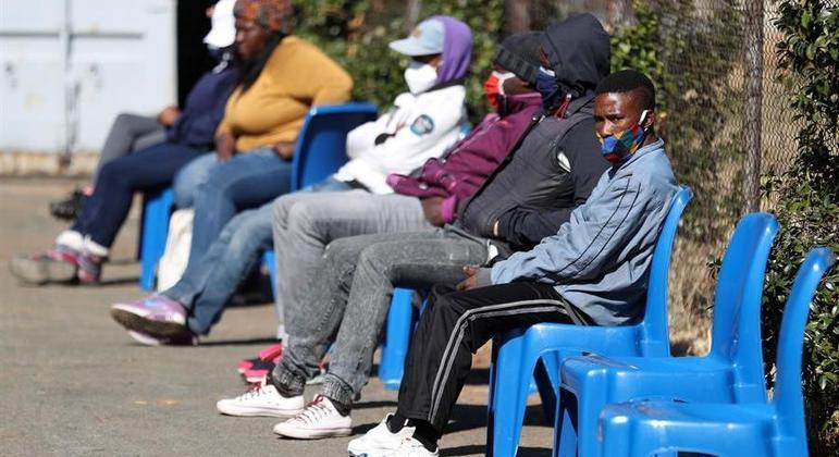 Universidade de Johns Hopkins contabiliza 3 milhões de casos de covid-19 na África