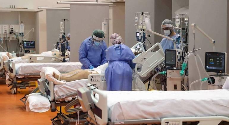 Mundo registra mais de 2,5 milhões de mortes por covid-19