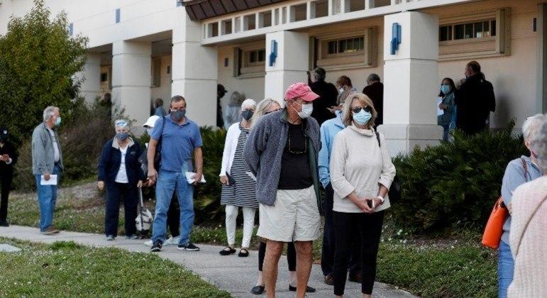 EUA registraram pelo segundo dia consecutivo um novo recorde de mortes por covid-19