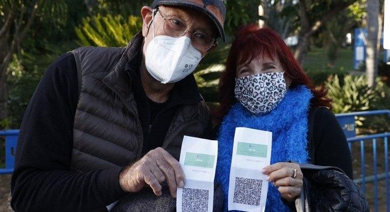 Nova lei permite identificar os cidadãos que decidiram não se imunizar contra a covid-19