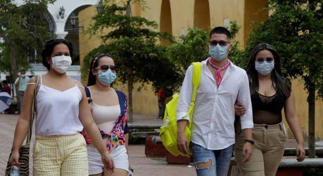 Mundo chegou a 75.479.471 casos de covid-19 desde o início da pandemia