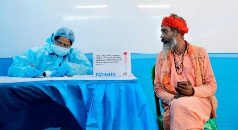 Governo indiano anuncia que vacinação no país começa em 16 de janeiro