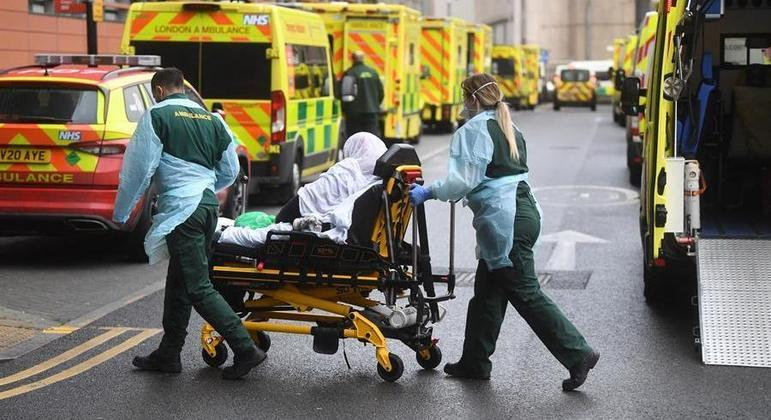 Autoridades britânicas notificaram 19 mortes pela doença nas últimas 24 horas