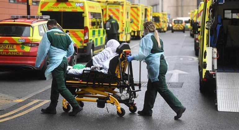 Reino Unido contabilizou 697 mil mortes em 2020
