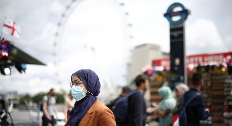 Epidemiologista do Imperial College acredita que pandemia no Reino Unido pode acabar em breve