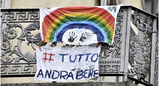 A hashtag 'tudo vai ficar bem' está entre as mais compartilhadas na Itália