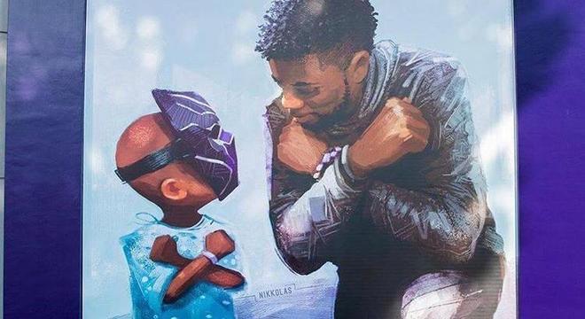 Homenagem ao ator que fazia o Pantera Negra nos cinemas