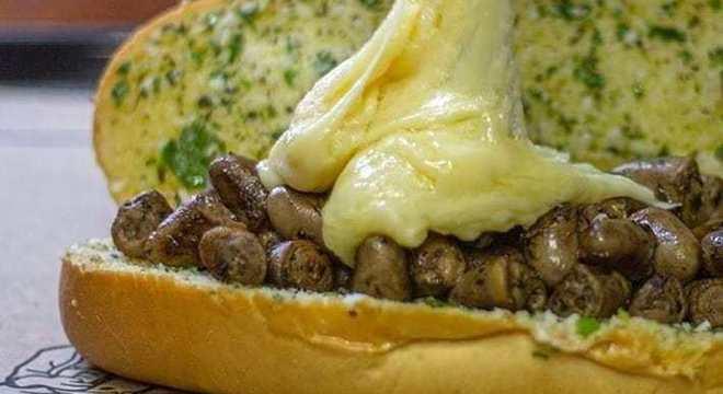 Sanduíche de pão de alho é carro chefe do 'Pão de Alho Gordo'