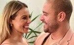 Quando surgiram os primeiros rumores do romance entre Paolla Oliveira e Diogo Nogueira, os fãs já começaram a shippar o casal. A partir da primeira foto publicada nas redes sociais, a torcida pelos pombinhos só aumentou. A atriz e o sambista também parecem estar acompanhando os memes e publicações sobre o namoro dos dois e não escondem mais a paixão