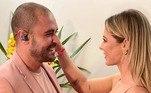 Há uma semana, o casal assumiu o namoro. A atriz posou com o cantor nos bastidores de um show que ele fez no Rio de Janeiro, com público reduzido, devido aos protocolos de segurança contra a covid-19